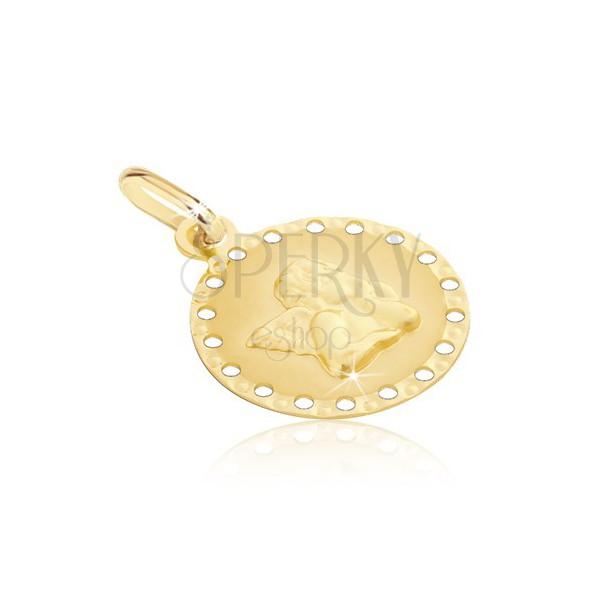 Zlat 585 obesek - okrogla ploščica z majhnimi luknjicami in angelom