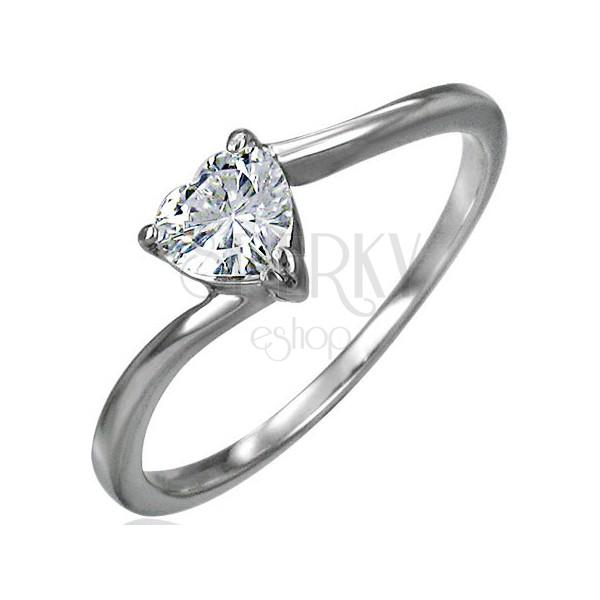 Jekleni zaročni prstan, prozorno ccirkonsko srce, ozka ukrivljena kraka