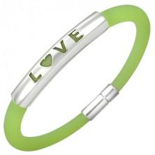 Gumjasta zapestnica v zeleni barvi - kovinska ploščica z napisom LOVE