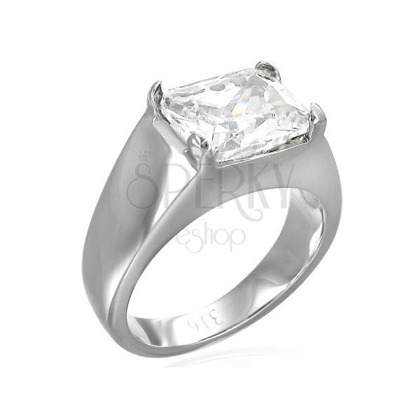 Masiven prstan s pravokotnim kamenčkom