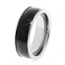 Gladek črn prstan iz volframa, deloma izbočen, sijoča površina, srebrni robovi