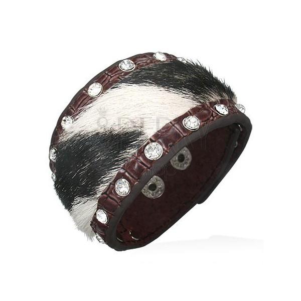 Usnjena zapestnica s črno-belim krznom in kamenčki