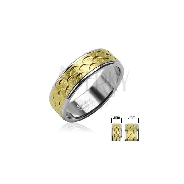 Prstan iz nerjavečega jekla - zlati del z zarezami