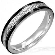 Tanek jeklen prstan z rombastim vzorcem in črno obrobo