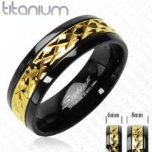 Črn prstan iz titana z vzorčastim pasom zlate barve