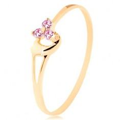 Prstan iz rumenega 14K zlata - trije rožnati cirkoni, nesimetrično izbočeno srce