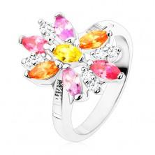 Prstan srebrne barve, velika cvetlica z barvnimi in prozornimi cvetnimi listi
