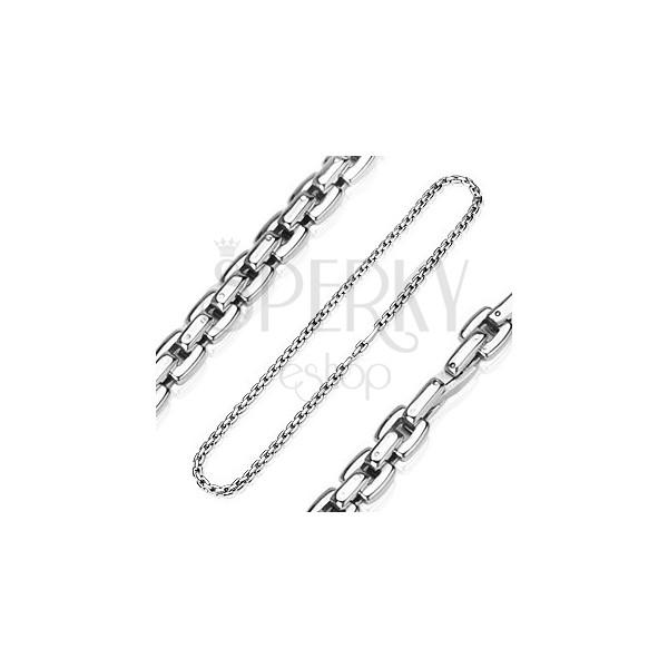 Jeklena verižica srebrne barve iz kvadratastih členov