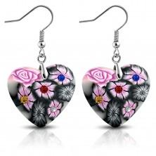 Viseči uhani iz mase FIMO na kaveljčkih, sivo srce z rožnatimi cvetovi in cirkoni