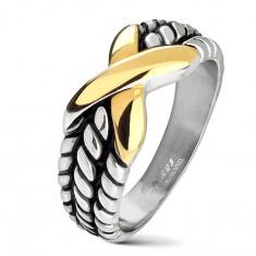 Jekleni prstan srebrne barve, zareze na krakih, X zlate barve