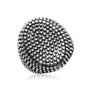 Jekleni prstan, velik oval z izbočenimi pikicami, črna patina