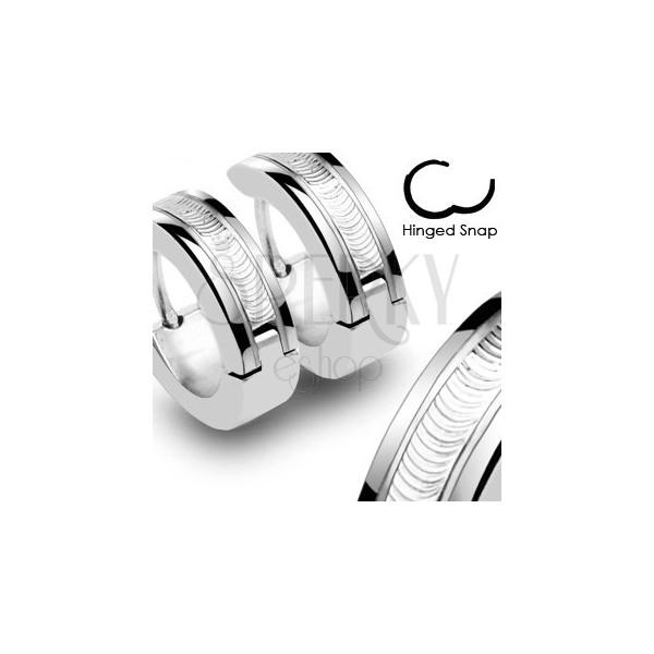 Uhani iz kirurškega jekla – srebrne barve z okrasno linijo