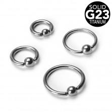 Titanov piercing – obroček z zajeto kroglico, širina 1,2 mm