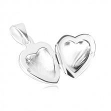 Medaljon iz srebra 925 – simetrično srce, fina gravura, motiv peresa