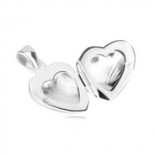 Obesek iz srebra 925 – medaljon, simetrično srce z okrasnimi zarezami