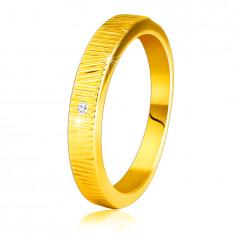 Diamantni prstan iz 14K rumenega zlata - fini okrasne zareze, prozoren briljant, 1,5 mm