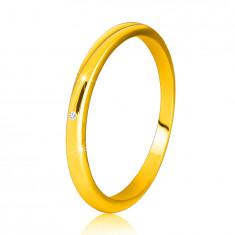 Diamantni prstan iz 14K rumenega zlata  - tanka, gladka kraka, prozoren briljant