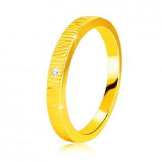 Diamantni prstan iz 14K rumenega zlata - drobni zarezi, prozoren briljant, 1,3 mm