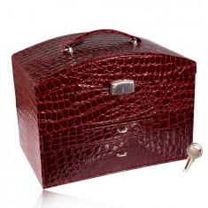 Škatla za nakit v kovčku v bordo barvi, krokodilji vzorec, kovinski detajli v srebrnem odtenku, ključ