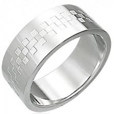 Bleščeč prstan iz nerjavečega jekla z vzorcem šahovnice