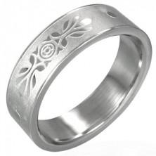 Jeklen prstan s simetrično dekoracijo - peskan