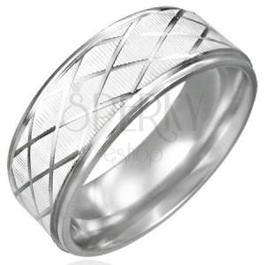 Jeklen prstan z brušenim karo vzorcem