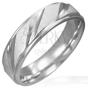 Mat prstan iz kirurškega jekla s sijočimi diagonalnimi linijami