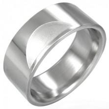 Gladek prstan iz nerjavečega jekla z matiranimi polkrogi