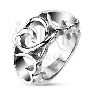 Jeklen prstan - tri okrasna srca