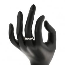 Srebrn prstan - gladka reža, pet vdelanih cirkonov