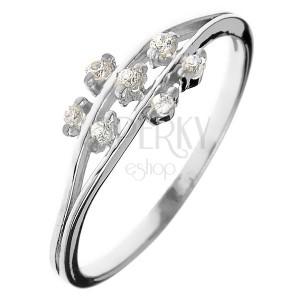 Prstan iz srebra čistine 925 - majhni cirkonasti cvetovi na pecljih