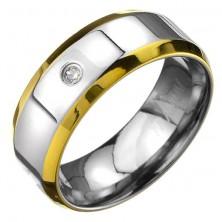 Prstan iz titana - srebrnkast obroček z zlatima robovoma in cirkonom
